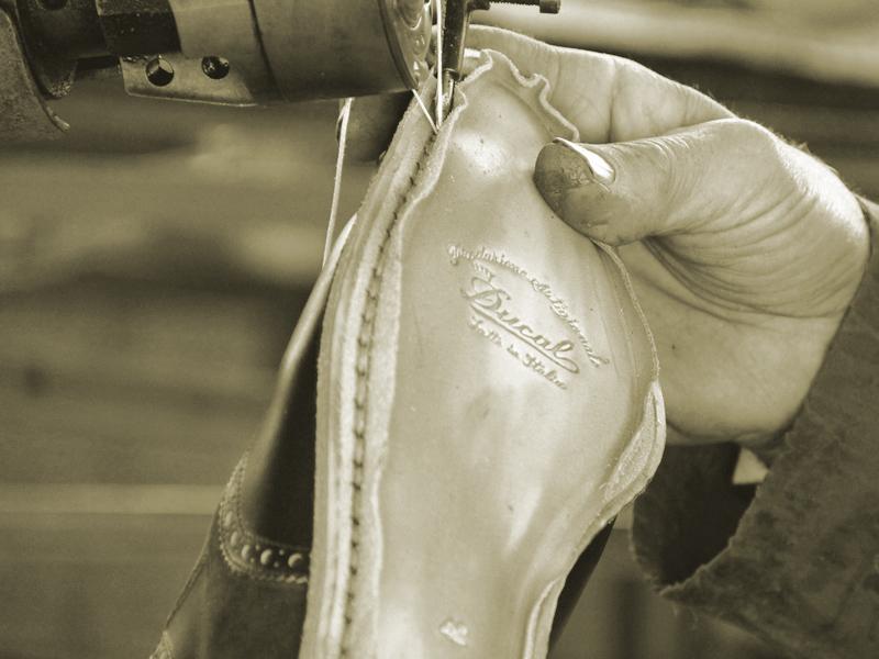 福岡 靴磨き デュカル