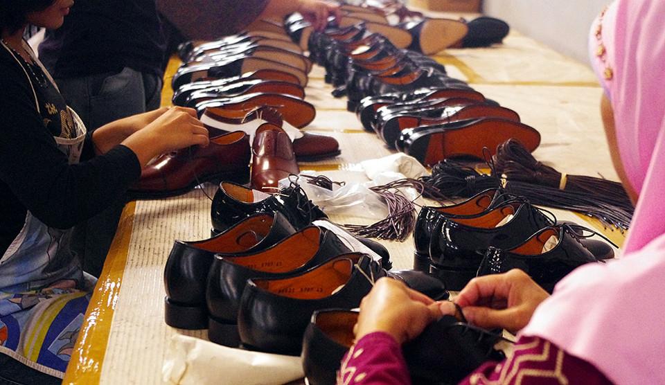 福岡 靴磨き ジャランスリワヤ
