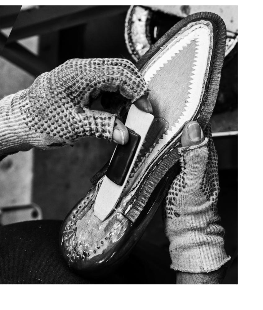 福岡 靴磨き チャーチ