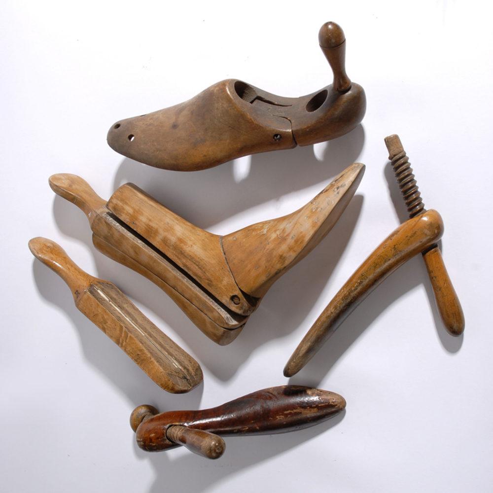福岡 靴磨き プラダ