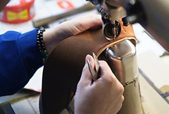 福岡 靴磨き リーガル